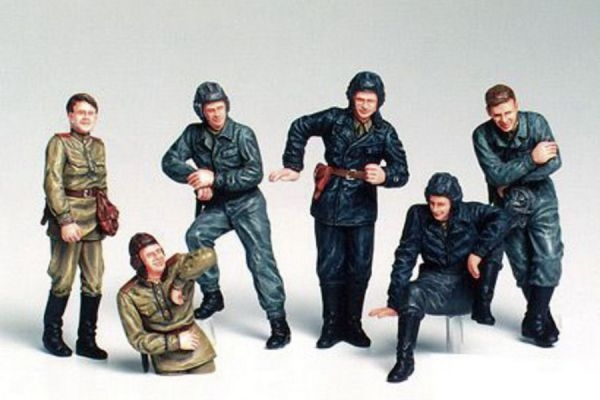 1/35 Russian Army Tank Crew At Rest