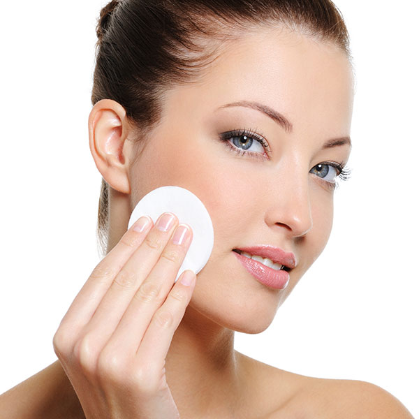 Trattamento viso acido ialuronico
